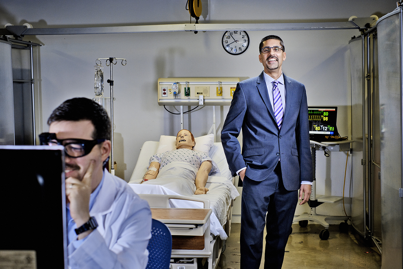 0e8fac49c804 MedStar s Raj Ratwani (standing) studies eye-tracking with Dr. Zach  Hettinger to see how doctors interact with EHRs.(T.J. Kirkpatrick for  Fortune)